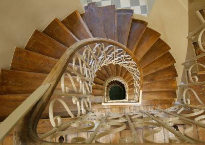 Cage d'escalier existante rénovée