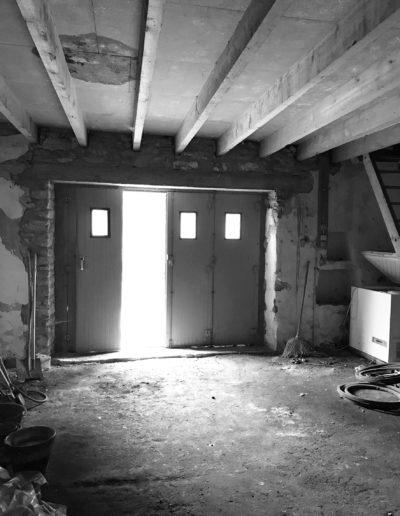 Photographie avant travaux : garage (transformé en séjour)